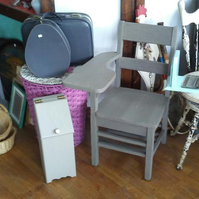 Frugal Home Decorating: Frugal Fortune: Vintage, Painted, And Antique Furniture