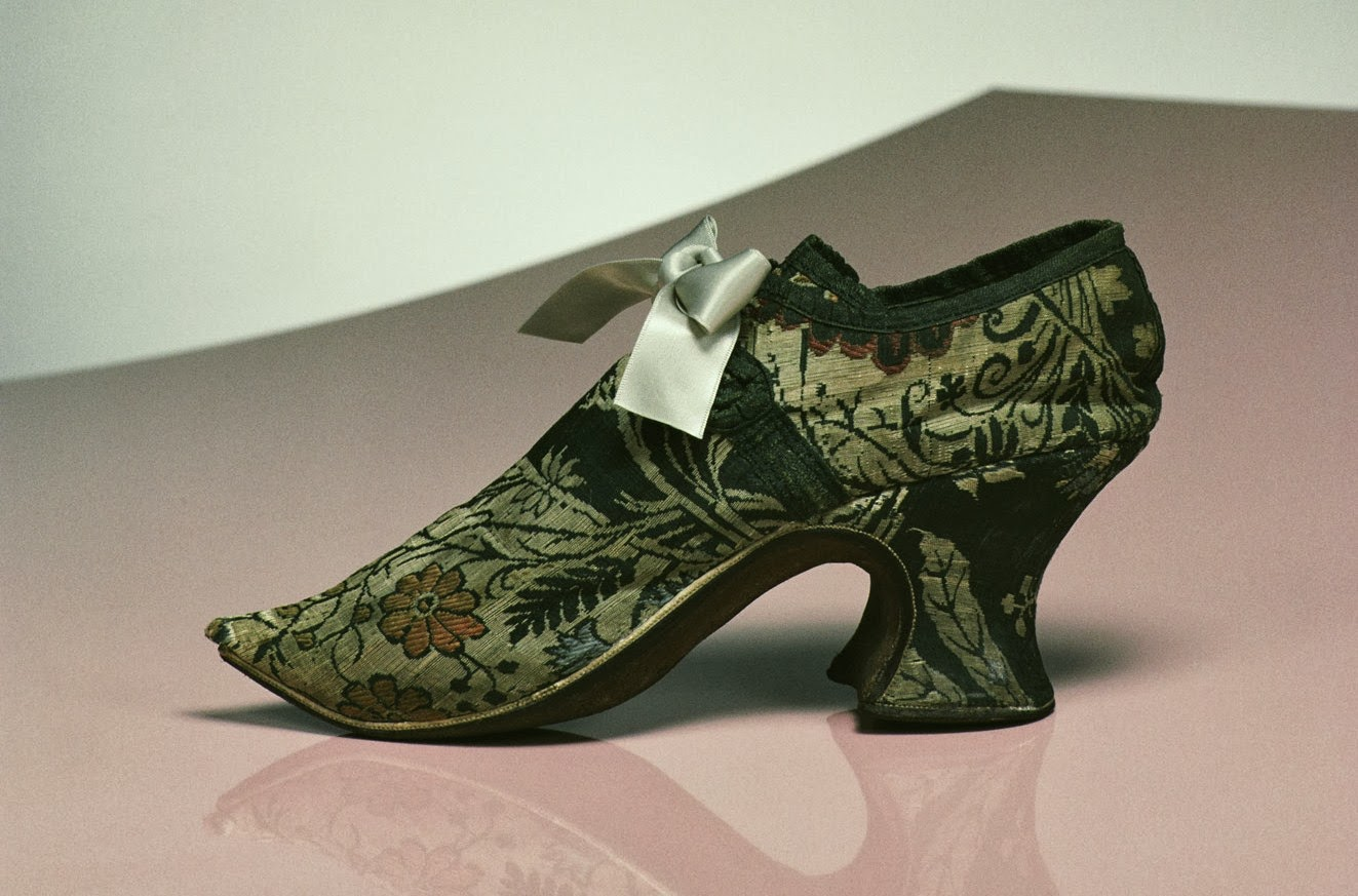 Women shoes with wooden Louis heels 1740-1750 England