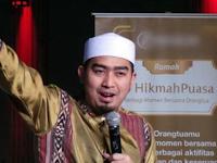 10 Jam Ditahan di Bandara Changi, Ustaz Solmed Tetap Puasa