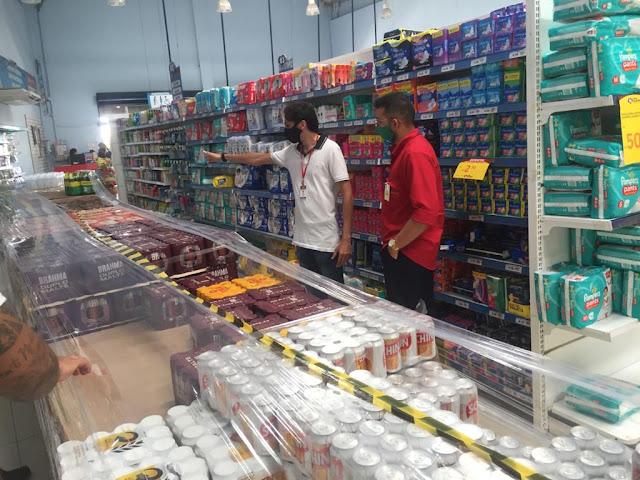 Vigilância Sanitária fiscaliza estabelecimentos e orienta sobre proibição de bebidas alcoólicas em Caraúbas