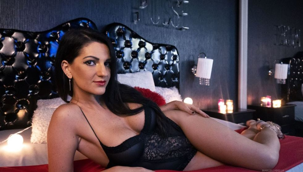 https://www.glamourcams.live/chat/MarcellaBella