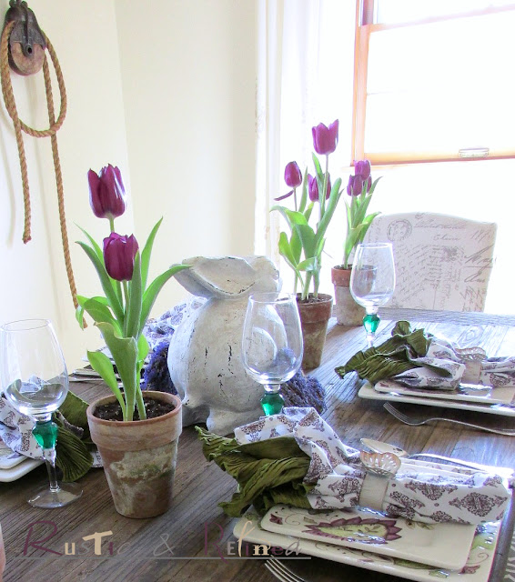 Pretty Spring Table Setting. Adding those touches of the Spring Season around the house and starting with a tablescape.