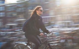 Cara Memotret Kendaraan Bergerak Seakan Melaju Kencang dengan Teknik Panning Fotografi
