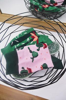 kolorowe skarpetki nie do pary many mornings blog modowy blogerka modowa puławy kolorowa stylizacja wesoła