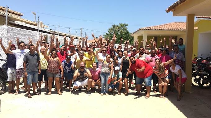 A líder Politica Cinthia Sonale e Galego  recebem amigos  na sua residencia em Grossos