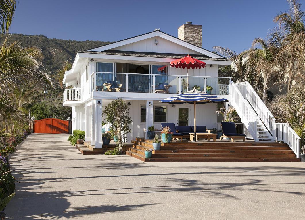 Celebrity homes ashton mila 39 s santa barbara beach for Santa barbara beach house