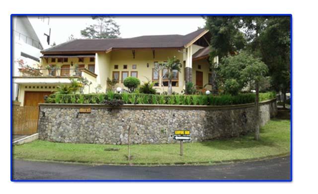 Villa Besar di kampung daun lembang fasilitas kolam renang