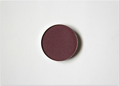 Honeybee Gardens Pressed Mineral Eye Shadow in Daredevil