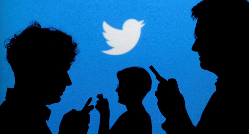 قراصنة يخترقون حسابات أوباما وغيتس وشخصيات كبيرة على تويتر و هذا ما فعلوه