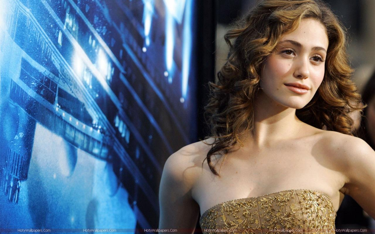 Emmy rossum hot hd wallpapers fun hungama - Hollywood actress hd wallpaper ...