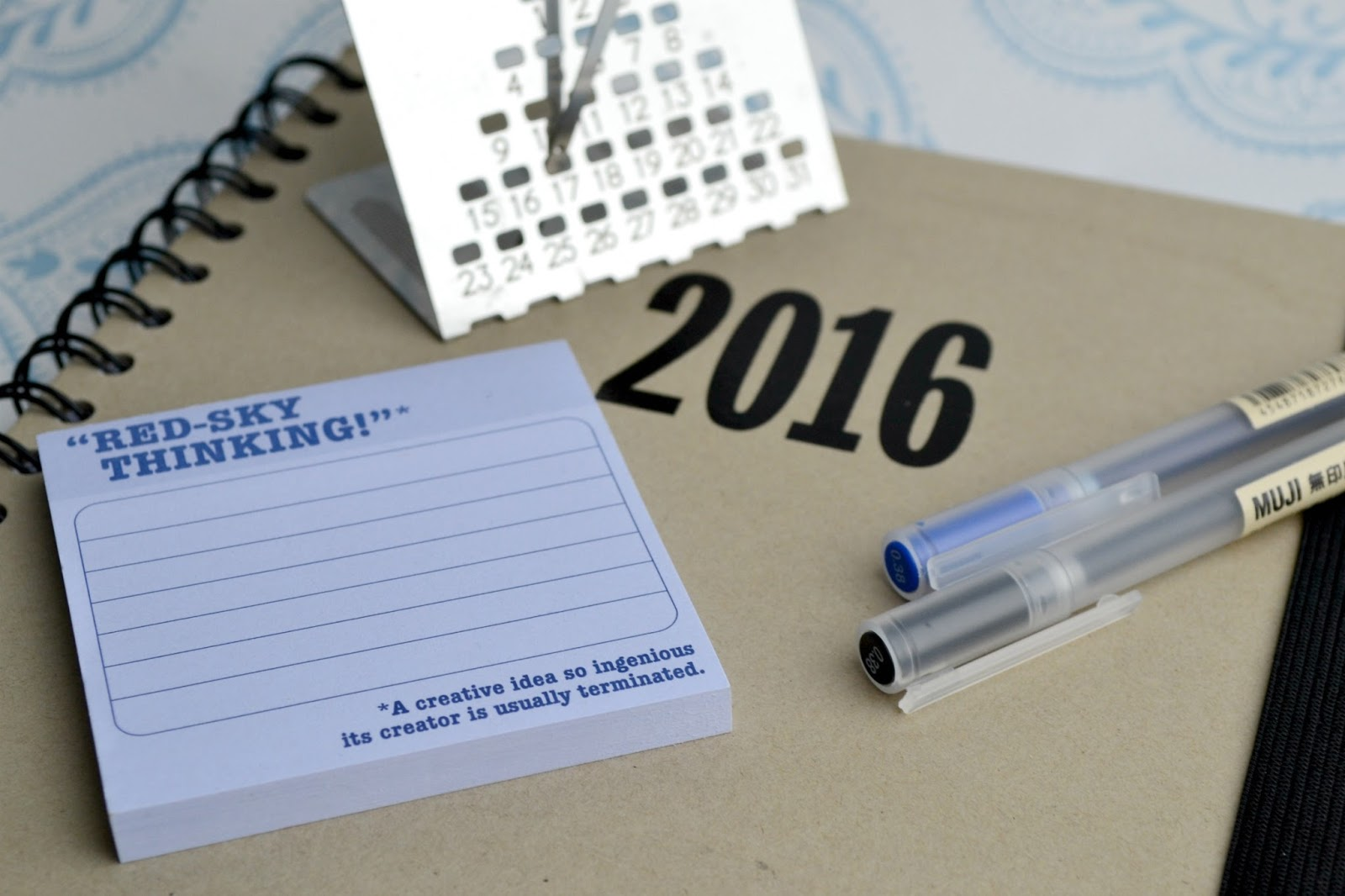 Stationary and a calendar for 2016