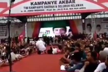 Istrinya Terjungkal Saat Selfie, Jokowi Kurang Reflek Untuk Menolong