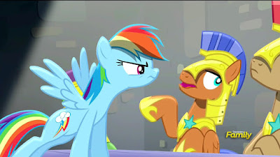 Rainbow Dash interrogates the Royal Guards
