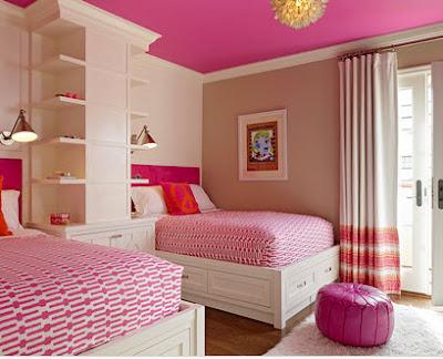 Decoración de interiores en dormitorio para señorita