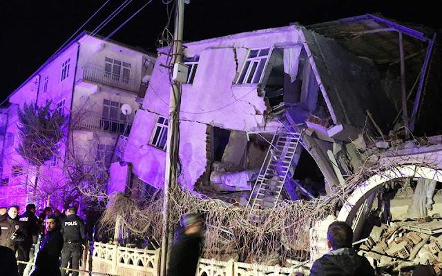 Σεισμός στην ανατολική Τουρκία: Στους 19 έφτασαν οι νεκροί (βίντεο)