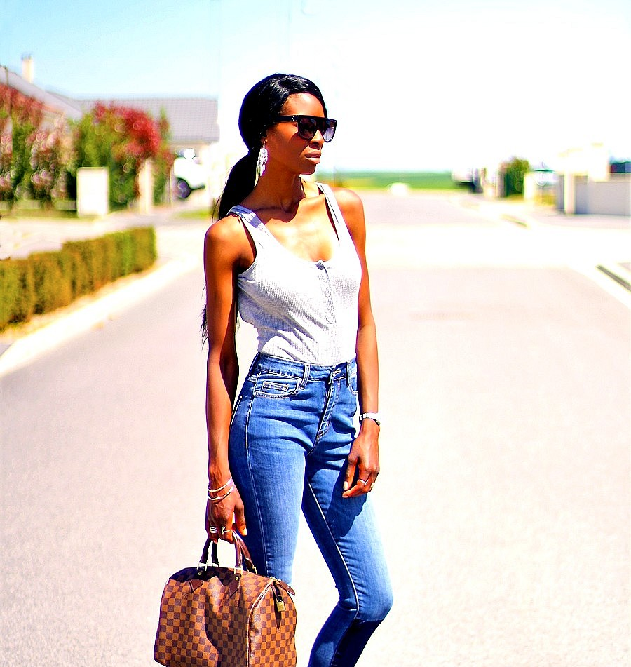 sexy-blogger-style-highwaist-jeans-speedy-louis-vuitton-bag