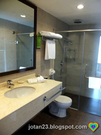 Jotan23 where to stay in kuala lumpur malaysia - What do hotels use to clean bathrooms ...
