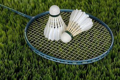 Maza Avadta Khel Badminton Marathi Nibandh.
