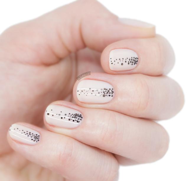 Soft pink easy nail art - Nailed It @ www.blognailedit.com