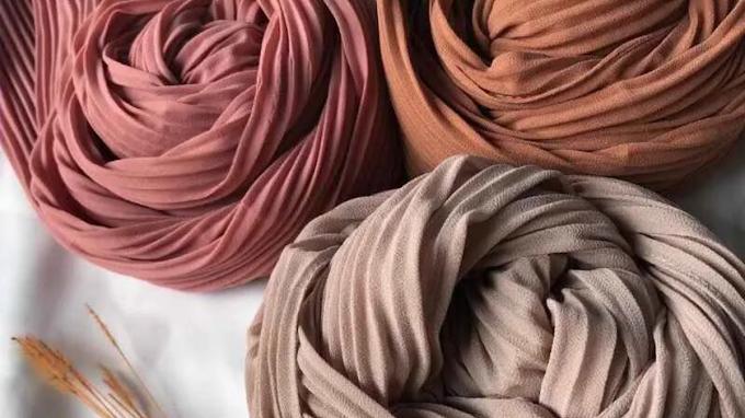 Merawat Hijab Plisket agar Awet, Gunakan Pewangi Baju
