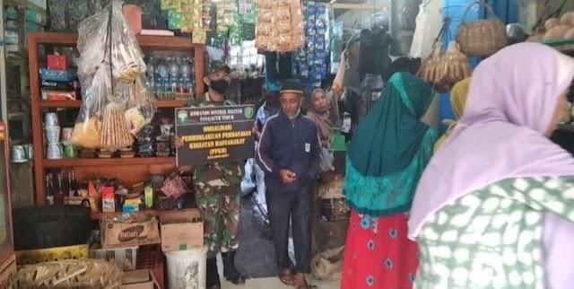 Babinsa Ramil 09/Nrs Sambangi Pasar Tradisional Nurussalam