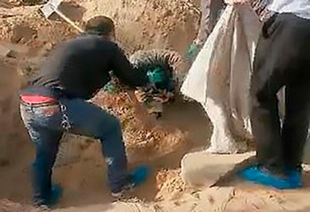 Похороненная заживо сыном женщина выжила после трех дней в могиле