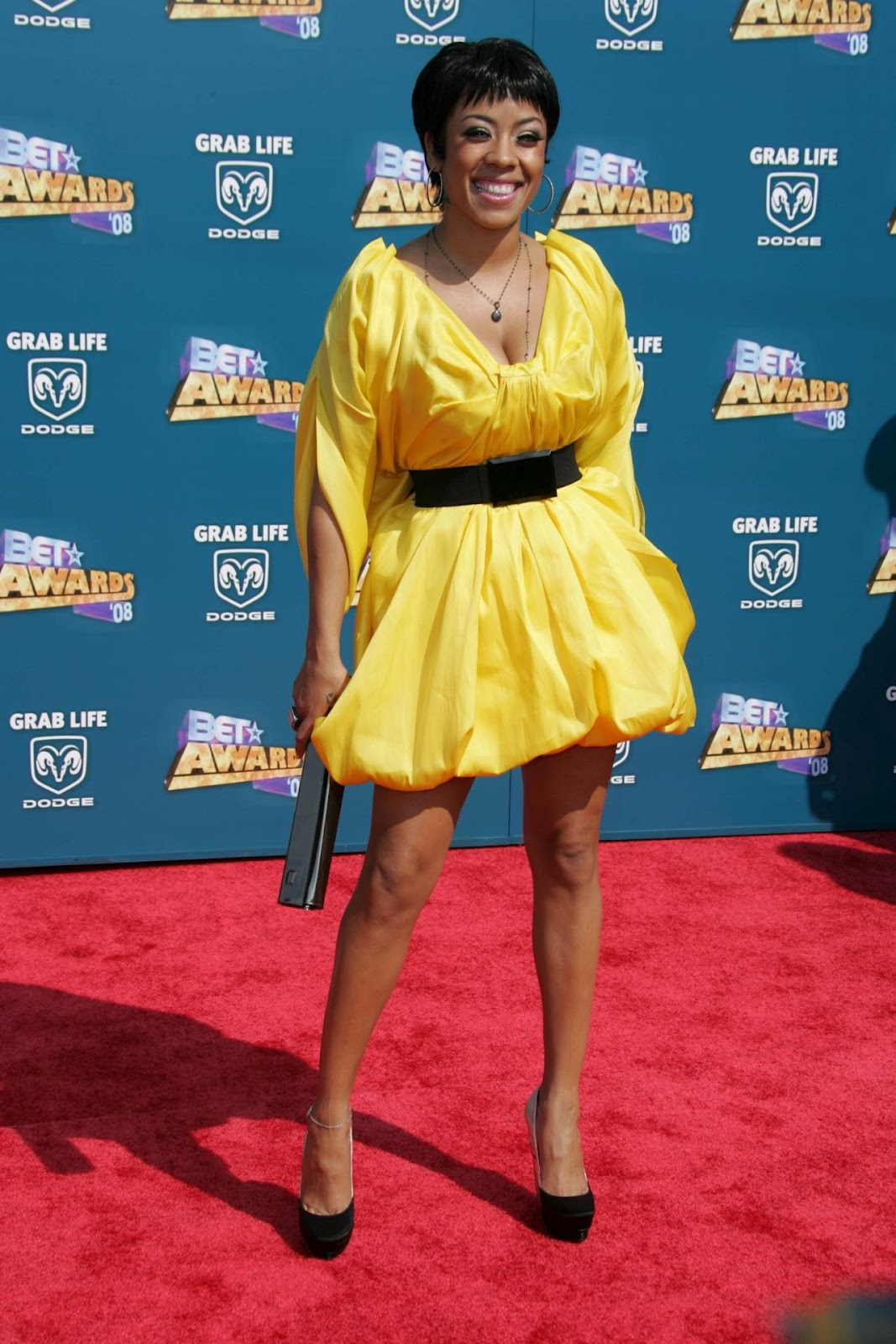 Keyshia Cole Hairstyle Trends: Keyshia Cole Picture Gallery