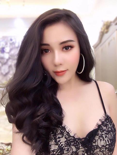 Sugar Baby Quảng Ninh Ngọc Hiền, gái văn phòng ngực khủng