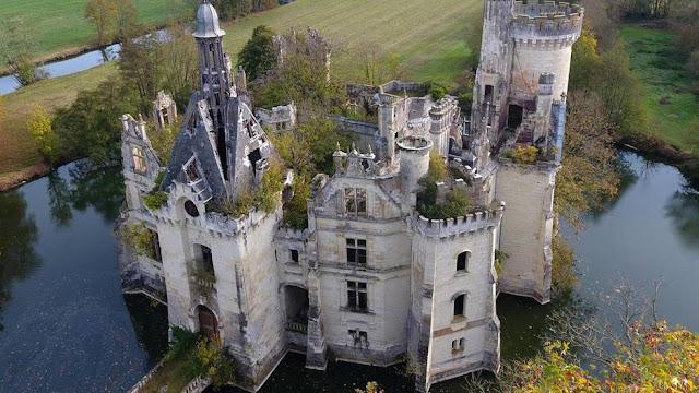 Vista aérea del Château de la Mothe-Chandeniers