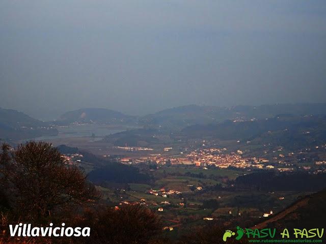 Vista de Villaviciosa desde las Cercanías del Cielo