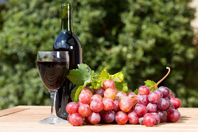 Греческое вино обязательно стоит продегустировать во время отпуска!