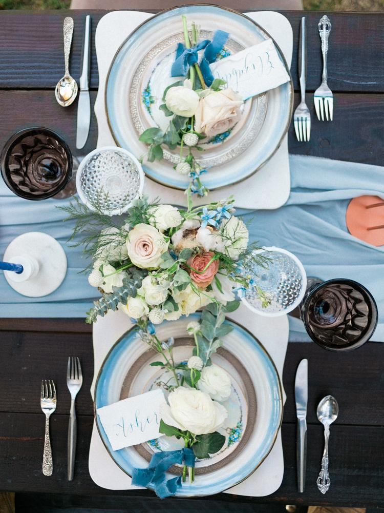 Dekoracja stołów, Dekoracje ślubne, Inspiracje ślubne, Pomysły ślubne, Motyw przewodni ślubu i wesela, Trendy ślubne, Kwiaty do ślubu, Kwiaty na stołach weselnych, Materiały graficzne, Kolor przewodni, Bukiet ślubny,