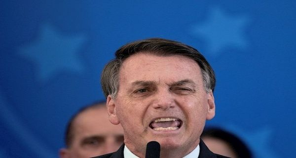 Bolsonaro dicta medida sobre exención de responsabilidad a funcionarios públicos ante Covid-19