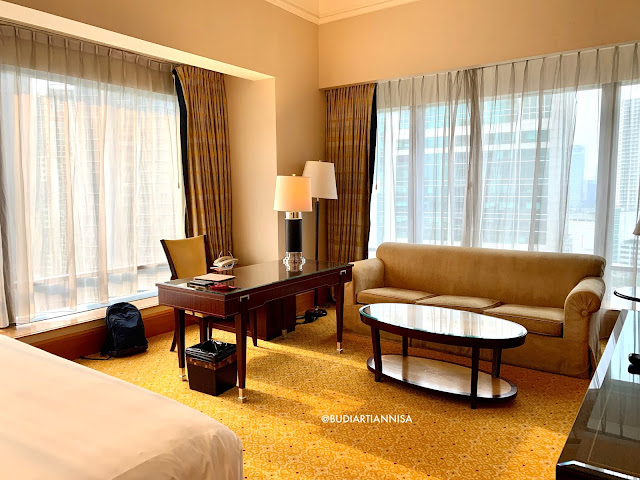 THE RITZ CARLTON MEGA KUNINGAN STAYCATION