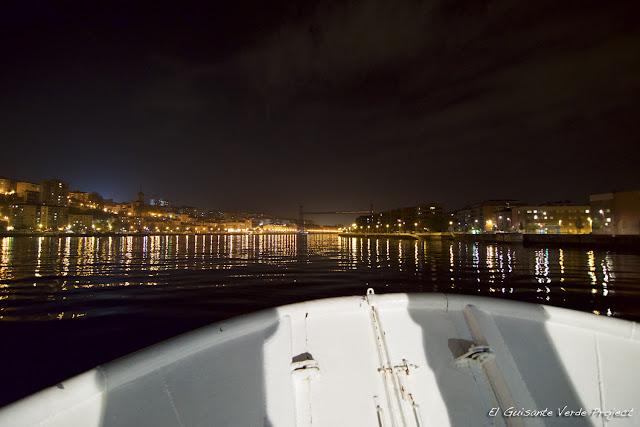 Navegando por la Ría de Bilbao en el Txinbito, por El Guisante Verde Project