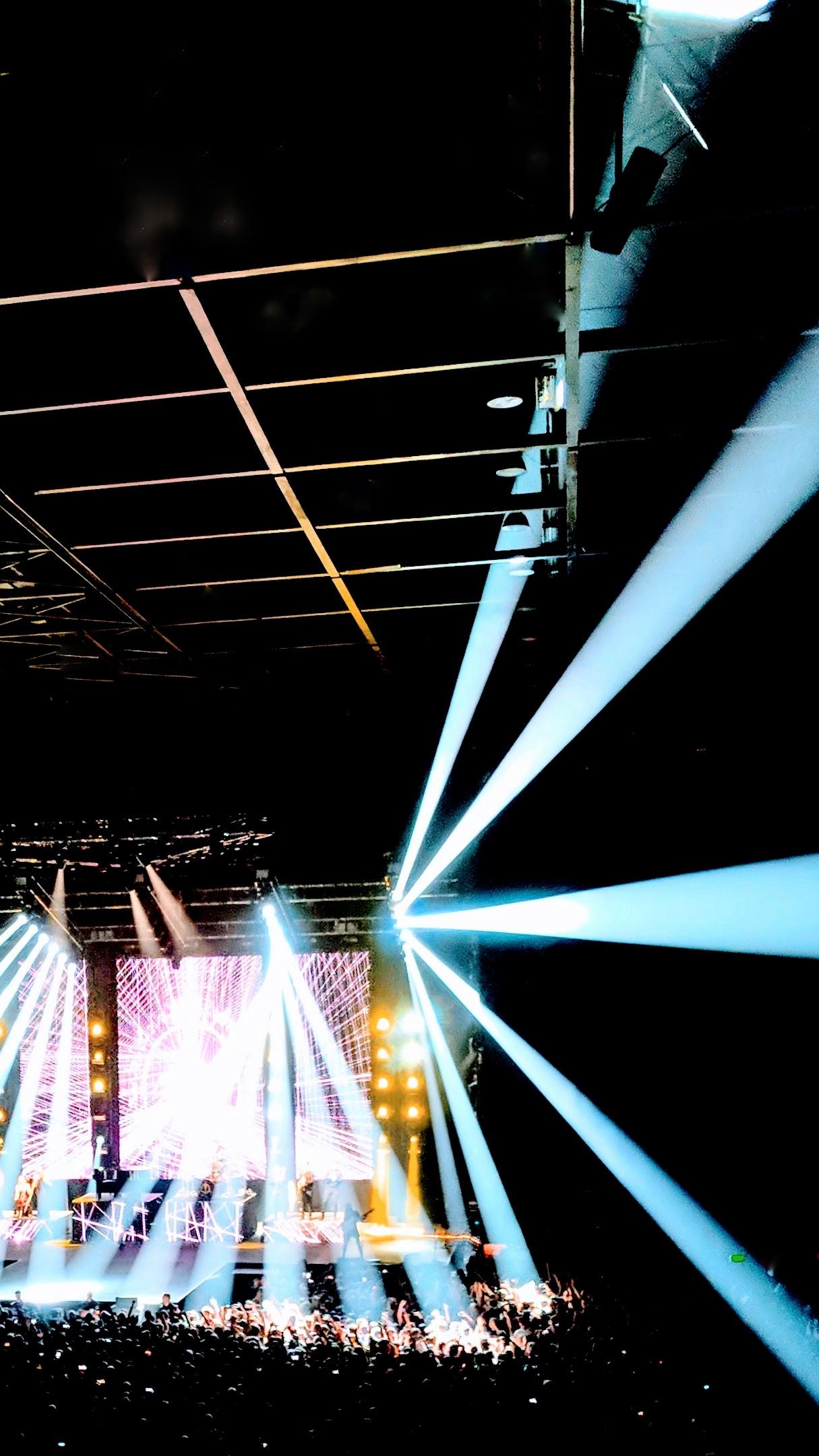 Panic! At The Disco, October 2018 - beams of light