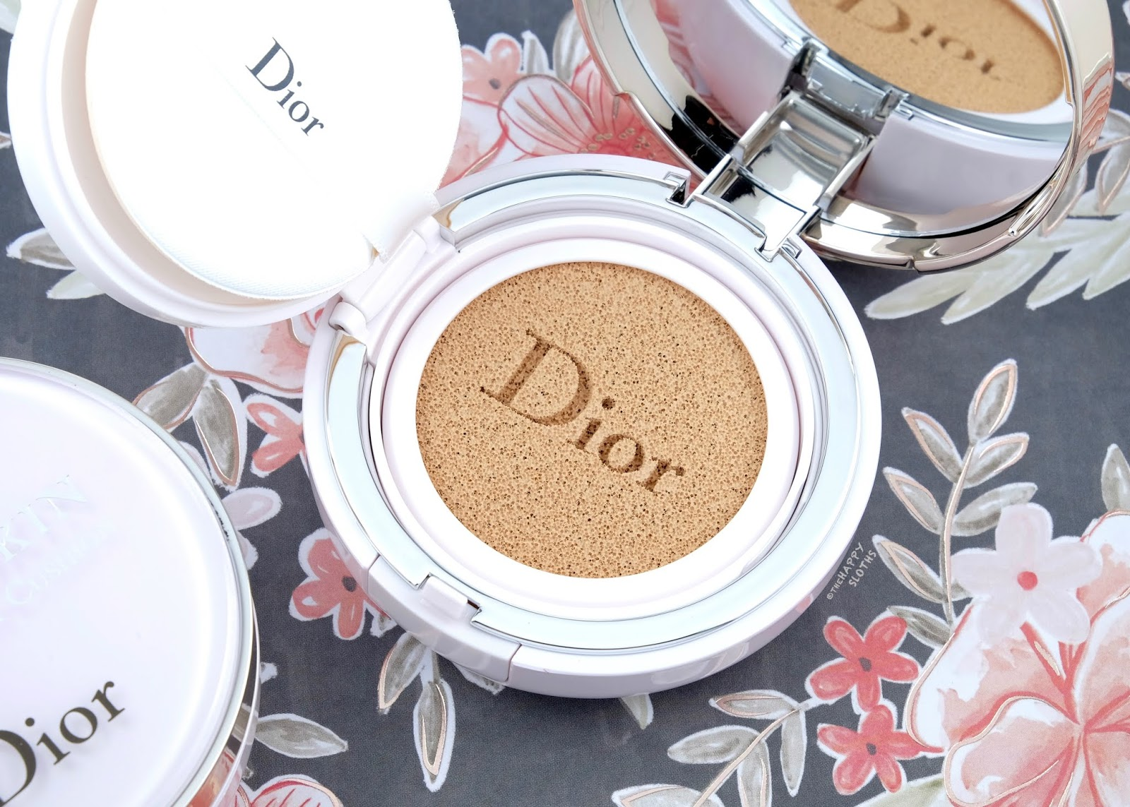"""Dior   Capture Dreamskin Fresh & Perfect Cushion in """"010 Ivory"""": Review and Swatches"""