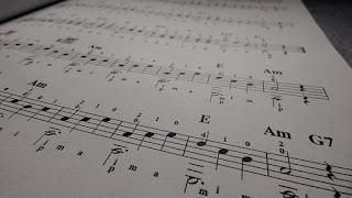Lagu dan chord gitar untuk pemula yang paling mudah