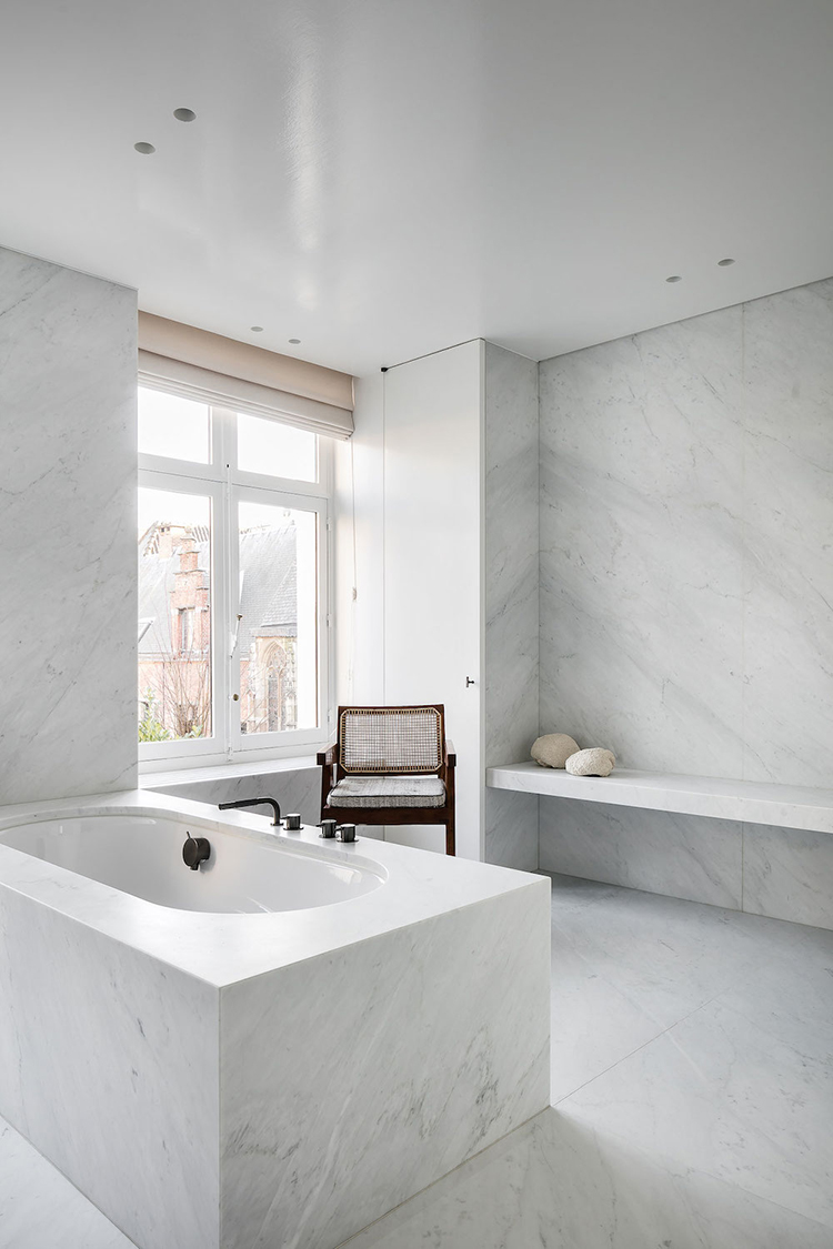 Contemporary marble bathtub via Nicolas Schuybroek