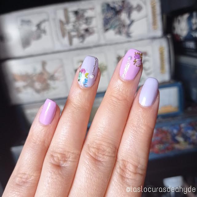 https://www.laslocurasdeahyde.com/2021/07/nail-art-bicolor.html