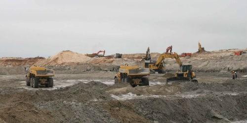 Khai thác quặng tại mỏ Thạch Khê - Hà Tĩnh