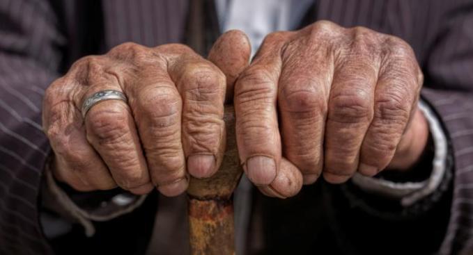 Benarkah Manusia Hanya Bisa Mencapai Umur Maksimal Sampai 120 Tahun?