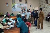 Vaksinasi Gerai 63 di Desa Sukamekar, Kapolsek Tambelang : Kita Harus Sukseskan Program Vaksinasi Nasional
