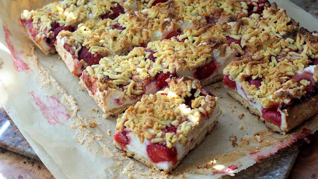 ciasto kruche z truskawkami, łatwe kruche ciasto,ciasta na imieniny,proste ciasto kruche z owocami,najlepszy blog kulinarny z kuchni do kuchni,katarzyna franiszyn luciano,top blog, blogerka kulinarna