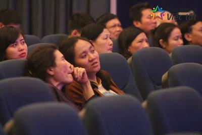 CHAO-MUNG-NGAY-QUOC-TE-PHU-NU-8.3-TRIEU-VIEC-TOT-TRIEU-NIEM-VUI