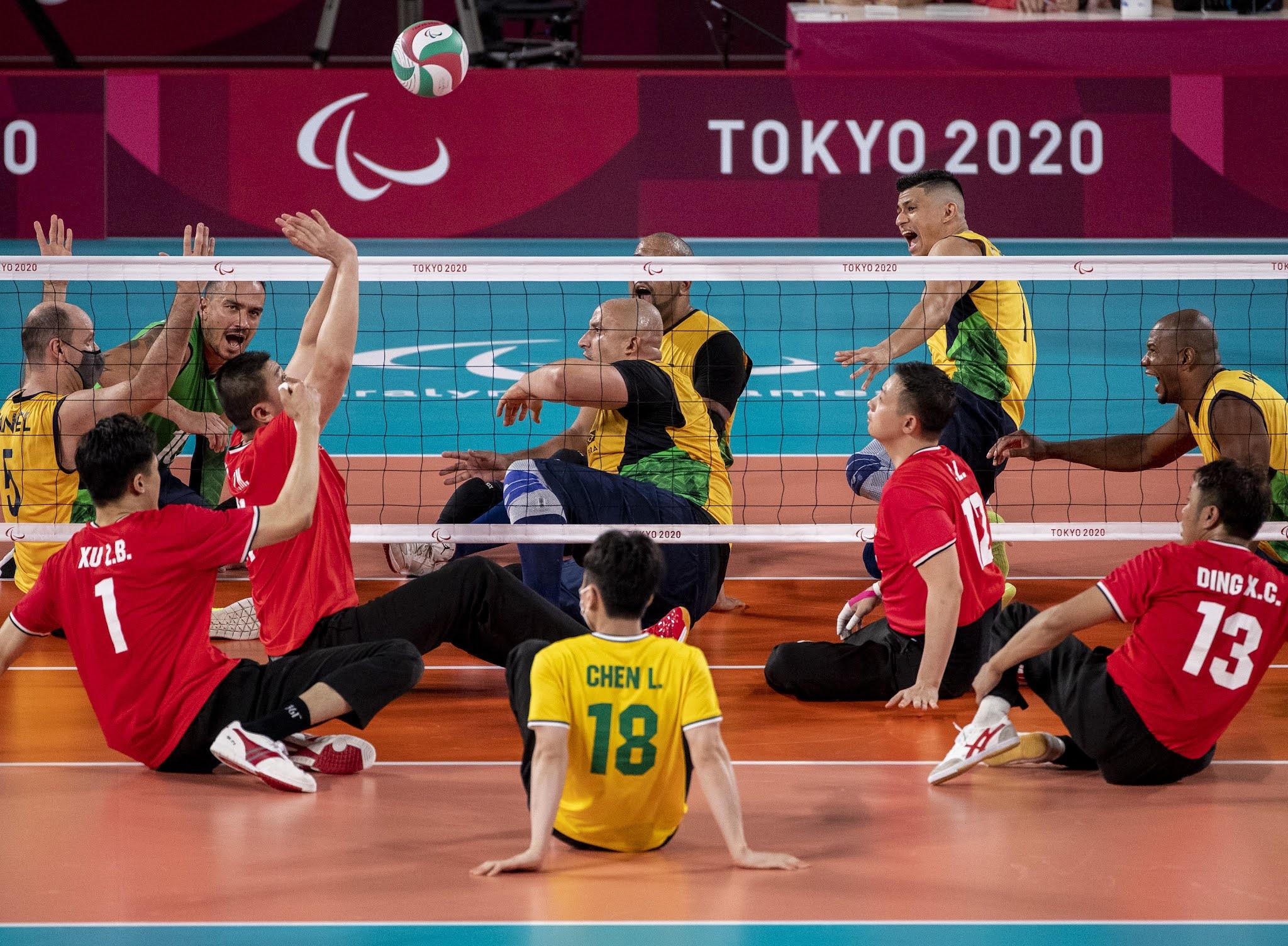 Brasil x China no vôlei sentado masculino nas Paralimpíadas de Tóquio