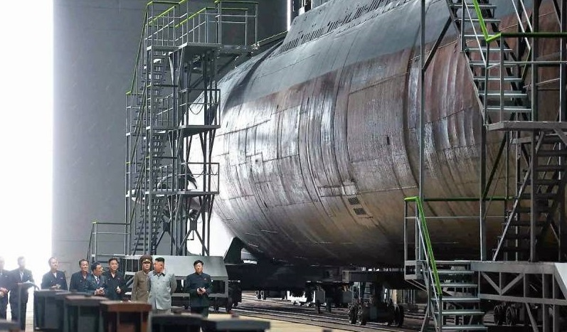 Pembangunan kapal selam dengan rudal balistik di Korea Utara