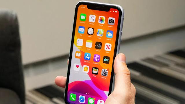يبدو أن iPhone 12 سيأتي على الأرجح بدون سماعات سلكية أو شاحن
