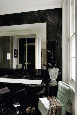 baño mármol negro