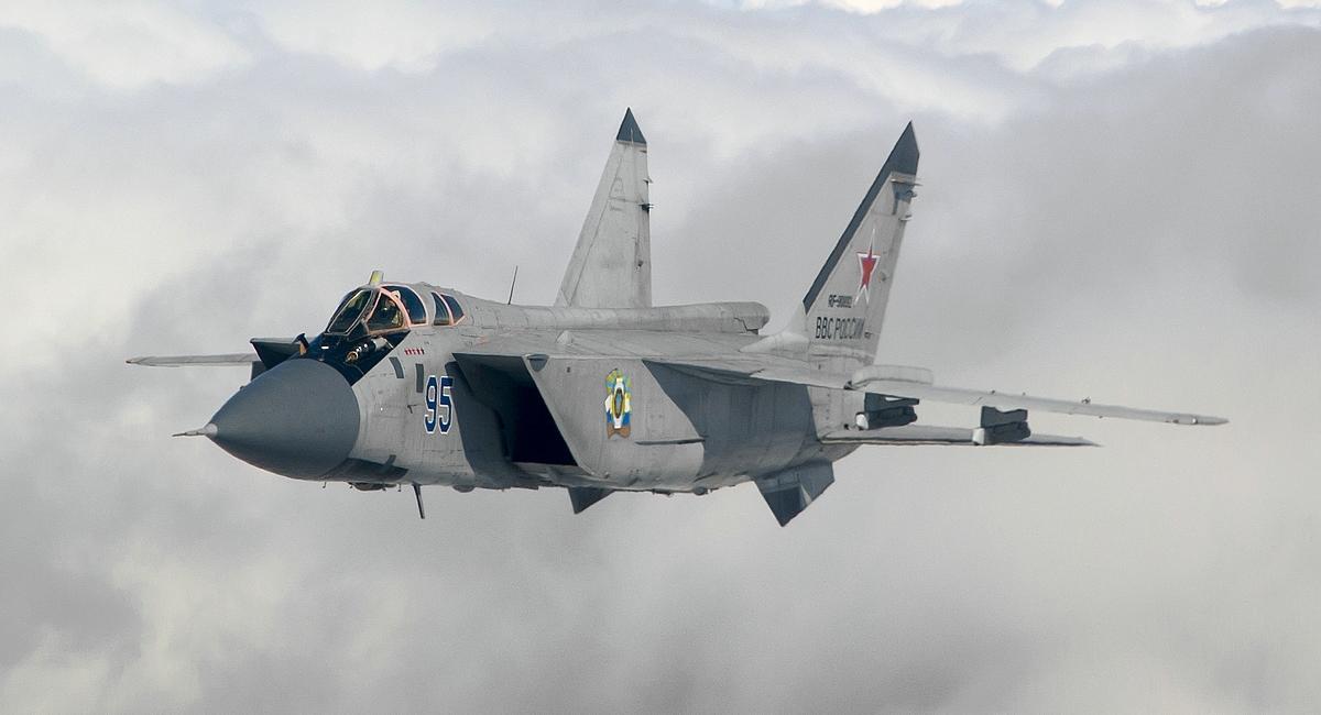 РФ до 2023 року модернізує весь парк перехоплювачів МіГ-31
